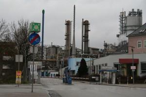 Einfahrt_in_den_Chemiepark_Linz - Gerry1987